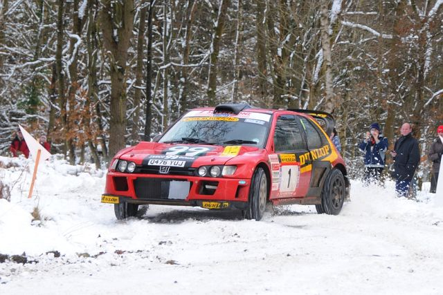 Burton and Rogerson in action on the Wyedean Forest rally 2009