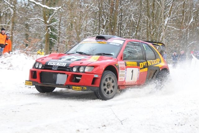 Burton and Rogerson on the 2009 Wyedean Forest rally